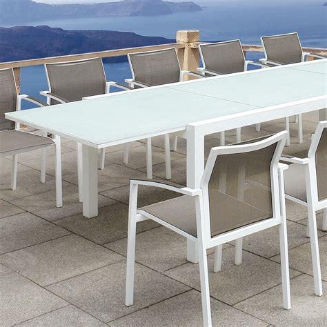 silla curve silla con brazos apilable aluminio blanco exterior y