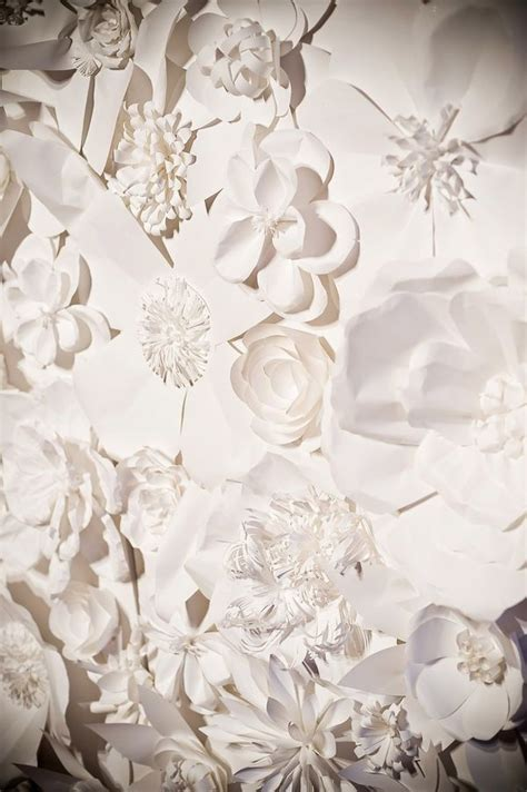 Paper Flower Wall Decor by Wall Decor Paper Flowers Diy Diy Crafting