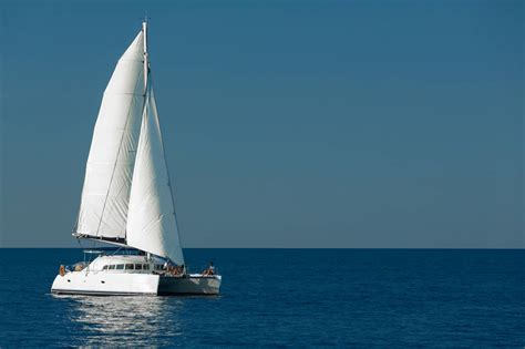 whitsunday blue catamaran luxury motor yacht charter - Catamaran Whitsundays Charter