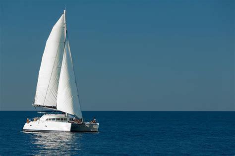 whitsunday blue catamaran luxury motor yacht charter - Catamaran Whitsundays