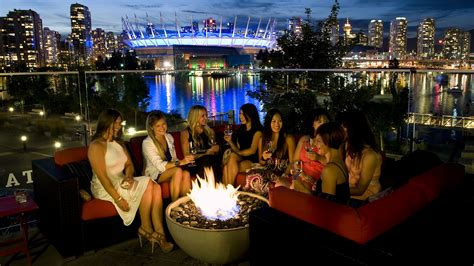summer     party    patio
