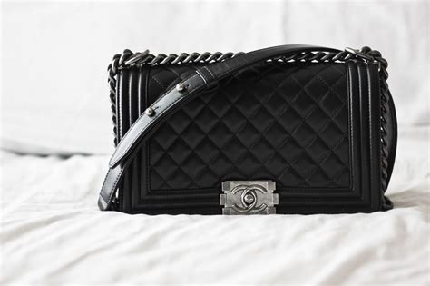 Chanel Boy Meleton 1 t 250 i chanel boy classic lambskin black h 224 ng si 234 u cấp txcn075
