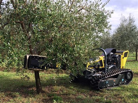 fruit tree shaker tree shaker equipment robogreen