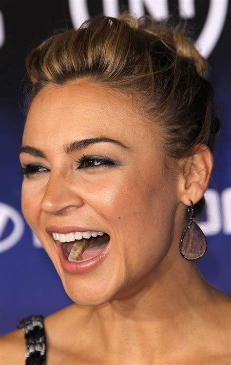 samaire armstrong sons of anarchy samaire armstrong at falling skies premiere in west