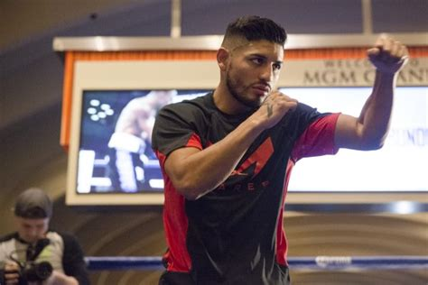 abner mares haircut 3 time world chion abner mares in action on march 7