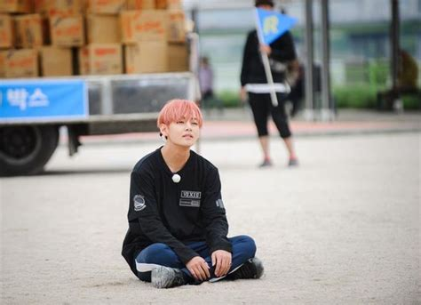 bts on running man aww lil v just sitting down i honestly find anything he