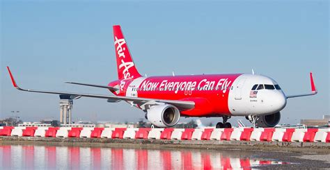 airasia indonesia pilot recruitment hysterical airasia indonesia flight crew caused panic in