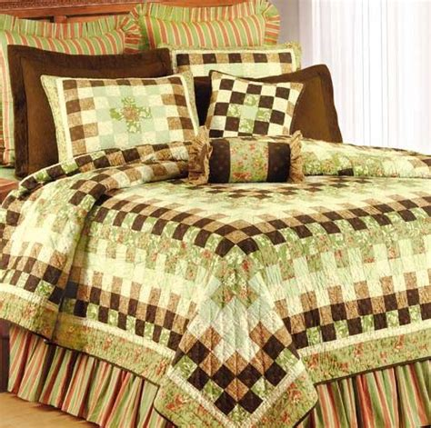 discount coverlets emberlynn quilt and bedspread