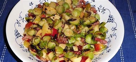 uit eigen keuken spruitjes gewokte spruitjes met spekjes appel en kastanjes recept