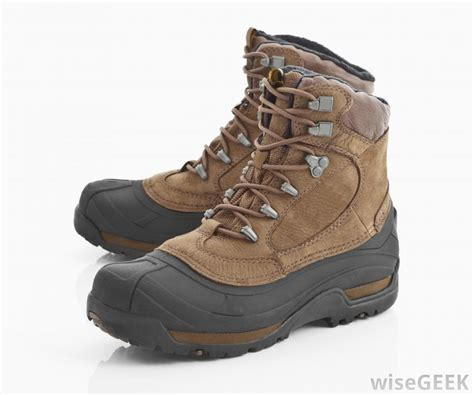 outdoor boots how do i choose the best hiking shoes with pictures