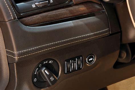 interni lancia thema lancia thema le foto degli interni motori it