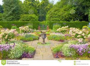 Ornamental Vase Formal English Garden Stock Photos Image 32717693