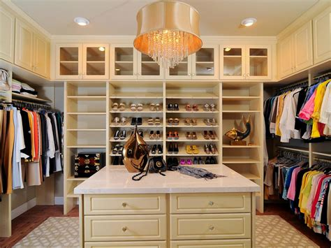 Luxurious Master Closet Kerrie Kelly Hgtv Master Bedroom Walk In Closet Designs