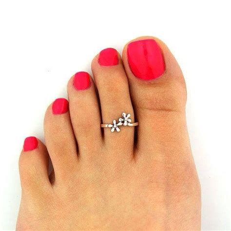 gold snowflakes pretty hands pretty feet pinterest 21 best images about toe rings on pinterest tester