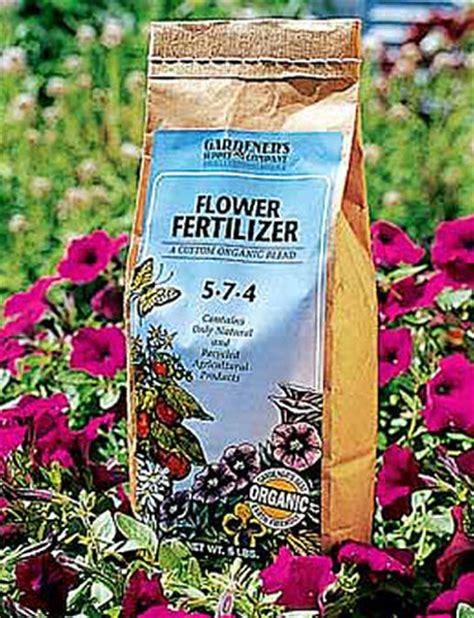 Best Fertilizer For Flower Garden Organic Flower Fertilizer Gardener S Best 174 Flower Fertilizer