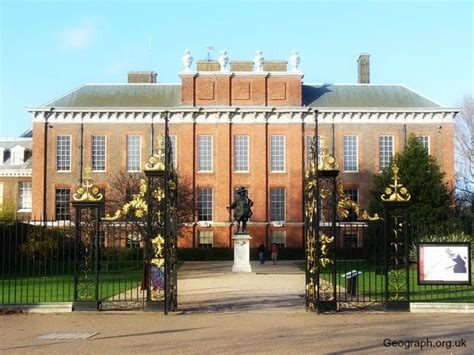 kensington palace tours london s royal palaces free tours by foot