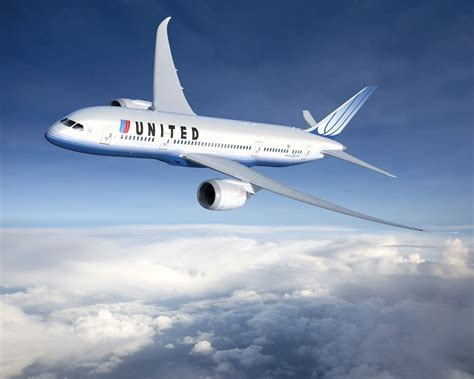 united airline boeing 787 8 dreamliner in united airlines livery