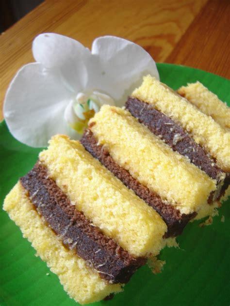 Indonesia Snack Desserts 100 Recipes tasty food lapis surabaya ekonomis