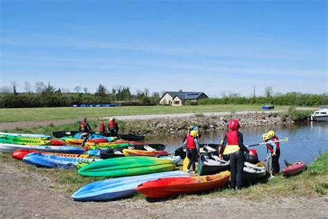 shannon river boat rentals cruise ireland boat rental cruising and boat hire guide