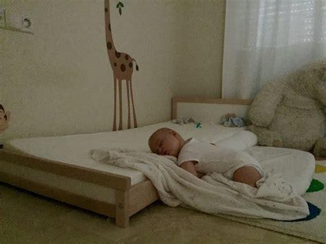 cadere dal letto lettino montessori evolve sviluppando la consapevolezza