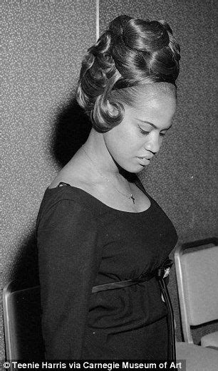 african american hairstyles in the 60s photographer s archive spotlights women s hairstyles from