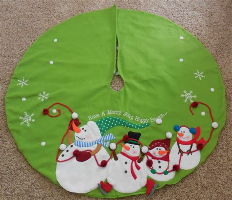 green christmas tree skirt snowmen 48 quot quot have a very merry