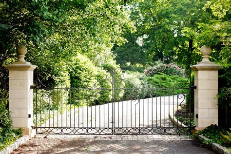 house entry gate design entry gate designs with white house treehouse hillside slope