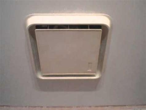 Bathroom Light Not Working by 1980s Broan Bathroom Exhaust Fans Youtube