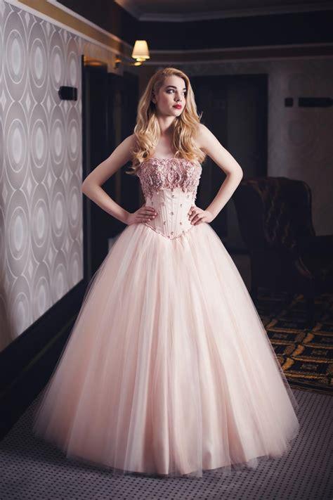 Brautkleider Rosé brautkleid in rosa mit perlen bestickt ma 223 anfertigung