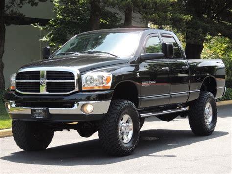 2006 Dodge Ram 2500 SLT/4X4/5.9L Cummins Diesel/ 50k miles