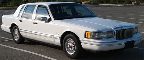 automotive repair manual 1993 lincoln town car security system purchase used 1993 lincoln town car executive sedan 4 door 4 6l in pittsburgh pennsylvania