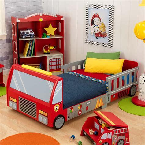 Bella Immagini Camerette Originali Per Bambini #1: Lettini-per-bambini-design-autobus-rosso.jpeg