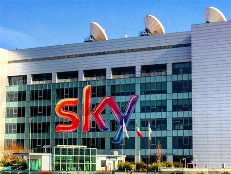 sede sky roma sky italia inaccettabile licenziamento 124 lavoratori