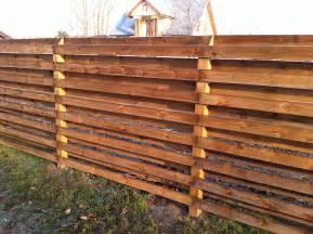 panneaux en bois brut