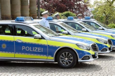Auto Mit Folie überziehen Stuttgart by Yelp Flasher Und Gelbe Folie Polizeiautos Sollen Mehr