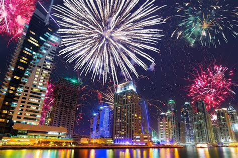 new year plans in dubai 7 ways to ring in 2017 with dubai s spectacular fireworks