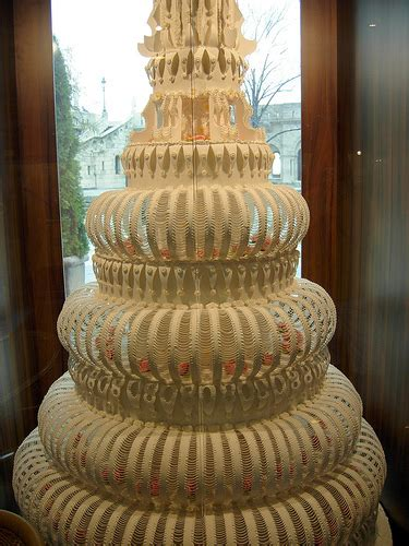 Big Wedding Cakes Pictures by Only Pictures Big Wedding Cake