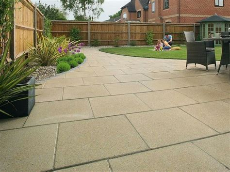 Marshalls Patio Paving by 1000 Ideas About Garden Paving On Sandstone