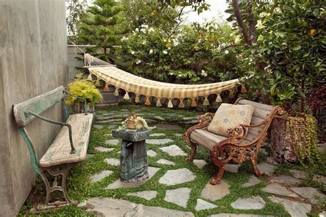 decorar patio con bancos 25 ideas de dise 241 os r 250 sticos para decorar el patio con