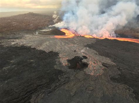 hawaii lava boat tours volcano hawaii volcano update lava boat tours to continue after