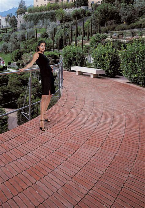 mattoni per terrazzo pavimento per esterni in cotto mattoni per pavimenti