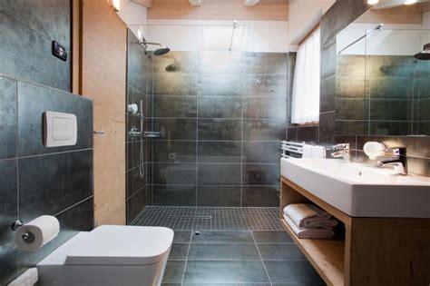 mezza vasca da bagno ladario mansarda