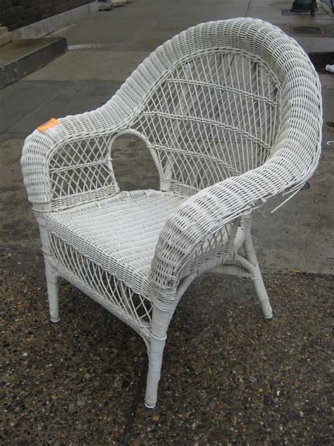 white wicker couch uhuru furniture collectibles white wicker wonderland sold