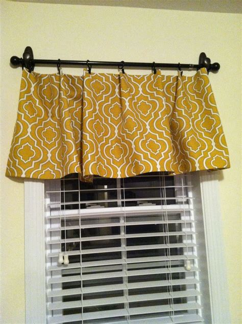 Command Hook Curtains Diy No Sew Valance Hung With Command Hooks And Curtain Rod Diy Ideas
