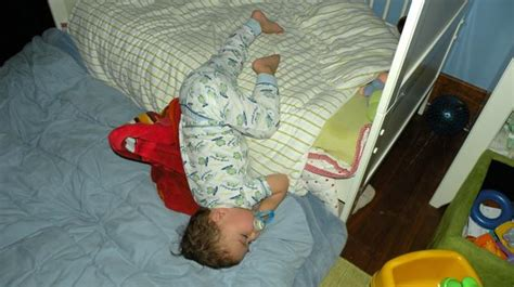 baby fell out of bed baby fell out of bed my baby fell the bed warning signs