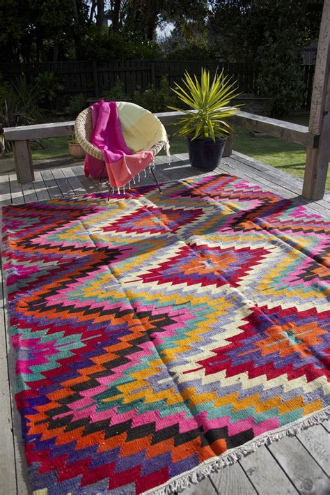 Bright Aztec Rug by 17 Best Ideas About Aztec Rug On Baby Room