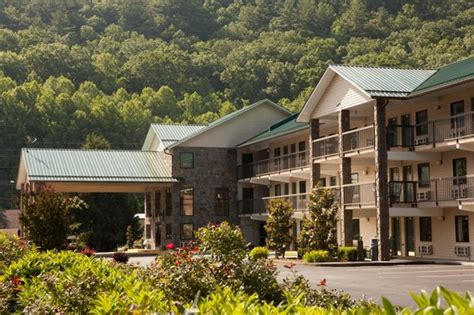 bed and breakfast cherokee nc very nice room pet friendly will stay again review of cherokee lodge cherokee nc
