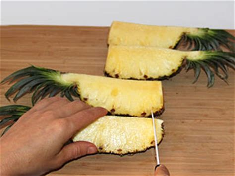 steunk deko ananas schneiden ganz einfach und dekorativ rohkost24 net