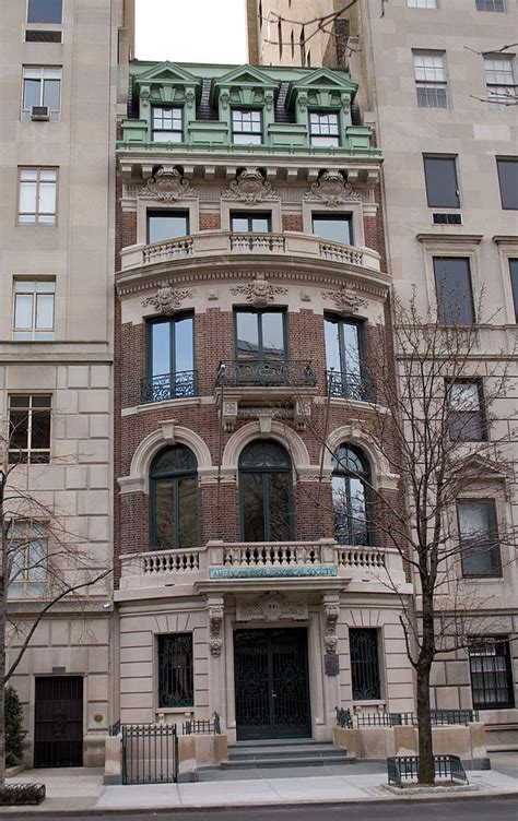 house nyc file photograph of a house at 991 fifth avenue new york city jpg wikimedia commons