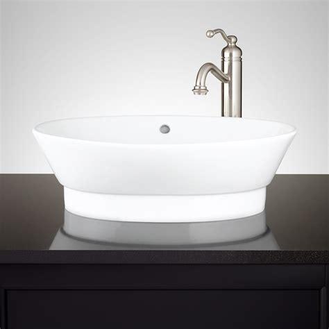 porcelain sinks bathroom
